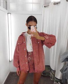 Pink coat//pink mini skirt//street style