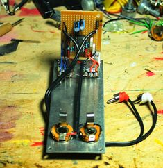 Proto-Schlock: EPFM (Electronic Projects for musicians) Build notes and layouts Electronic Circuit, Tank I, Electronics Projects, Pretty Cool, Drum, Musicians, Layouts, Electric, Guitar