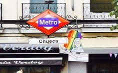 Madrid, metropolitana gratis per i transessuali: è polemica per la decisione dell'azienda dei trasporti L'iniziativa della società che gestisce la metropolitana della capitale spagnola a favore delle persone transessuali è frutto di uno scandalo precedente. #spagna #trasporti #lgbt #transessuali