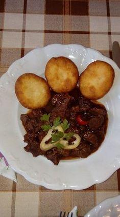 Káprázatos burgonyafánk könnyedén, fenséges köret szaftos, húsos ételek mellé! Food And Drink, Beef, Baking, Hama, Meat, Bakken, Backen, Sweets, Steak