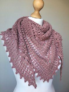 Ravelry: Despojna pattern by Petra Škorjanc Crochet Shawls And Wraps, Knitted Shawls, Crochet Scarves, Shawl Patterns, Knitting Patterns, Crochet Patterns, Crochet Hook Sizes, Crochet Hooks, Crochet Cardigan