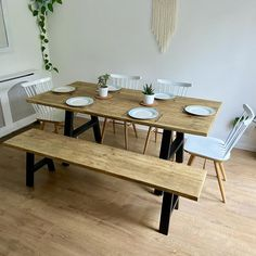 Metal Leg Dining Table, Rustic Kitchen Tables, Kitchen Table Bench, Reclaimed Wood Dining Table, Kitchen Dinning Room, Dinning Room Tables, Wooden Dining Tables, Wooden Dining Table Designs, Rustic Wooden Table