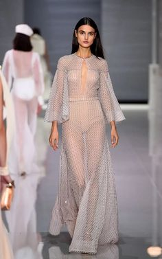 8c95d90366c2 Add skin coloured fabric underneath for moi - Ralph   Russo Spring 2018  Ready-to-Wear Undefined Photos - Vogue