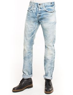 Fade out but never fade away. The PRPS Tolu Jean is made from 13 oz denim and features a heavy bleach fade and frayed pocket edges. Barracuda fit is low rise and straight.