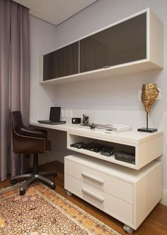 escrivaninha branca home office com armarios deborah basso 24361 white home office desk with cabinets deborah basso 24361 Mesa Home Office, Cozy Home Office, Home Office Setup, Home Office Desks, Home Office Furniture, Office Decor, Office Ideas, Office Designs, Furniture Ideas