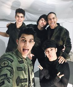 """85.3 mil Me gusta, 2,294 comentarios - CNCO (@cncomusic) en Instagram: """"Gracias Machala por todo su cariño!  #CNCOwners sube tu selfie usando el hashtag #MASALLATOUR!!!…"""""""