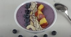 Smoothie bowl d'été Granola, Menu, Smoothie Bowl, Bowls, Oatmeal, Brunch, Breakfast, Food, Seasonal Fruits