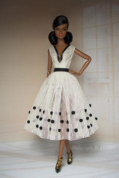 Una niña de vestido de fiesta de escala 1/6 Nápoles para