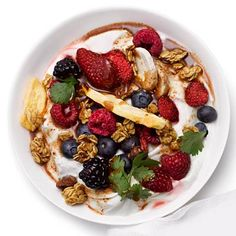 This low-fat yogurt breakfast bowl is packed with filling protein to keep you satisfied throughout the morning.