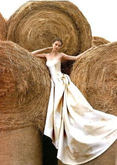 Yes, let's get hay all over my $5000, elegant, would-never-be-on-farm wedding dress. Makes sense.