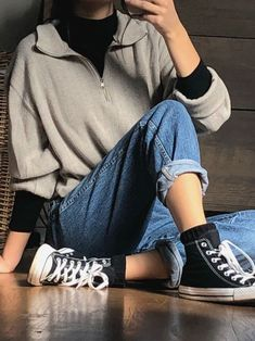 vintage outfits The fresh look you want with the retro vibes you never want to lose. Get ready to swap your top drawer with our next insta-darling. Retro Outfits, Vintage Outfits, Edgy Outfits, Mode Outfits, Grunge Outfits, Vintage Clothing, Girl Outfits, School Outfits, Fashion Mode