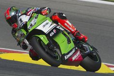 Tom Sykes of Great Britain and Kawasaki Racing Team rounds the bend during the FIM Superbike World Championship - Qualifying at Portimao Circuit on July 5, 2014 in Portimao, Portugal.