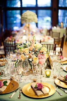 Event Planning: Marisa Bridals - http://www.stylemepretty.com/portfolio/marisa-bridals Photography: Meg Perotti -…
