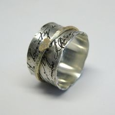 This rings design is like a an old love letter. It is based on a phrase from William Shakespeares Romeo and Juliet:    My bounty is as boundless