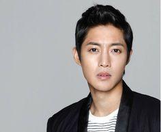 Según los informes, Kim Hyun Joong lanzará su segundo álbum japonés 'STILL'el 11 de febrero. El álbum se compone de un total de doce canciones. Incluirá la canción principal, que es una balada-ro...