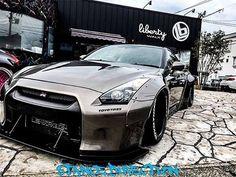 LIBERTY WALK LB★WORKS GTR R35 KATO'S CUSTOM CAR http://libertywalk.co.jp…