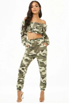 Product Name:Camo Print Crop Top & Joggers Set, Category:Sale, Curvy Women Fashion, Teen Fashion, Crop Top Outfits, Cute Outfits, Camouflage Fashion, Camouflage Jeans, Hip Hop Dance Outfits, Military Inspired Fashion, Crop Top Designs