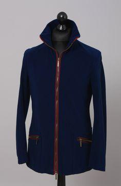 Herren Outdoorjacke, Verbindung von Funktionalität und Design aus wind - und wasserdichtem Material und atmungsaktiv. Farbe: blau  #outdoorjacke