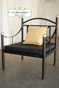 Poltrona em ferro. Trabalho realizado por J.O. Serralheria www.facebook.com/j.o.serralheria