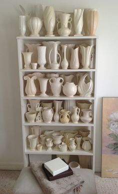 White vintage pottery collection Vintage Vases, Vintage Planters, Vintage Ceramic, Vintage Items, Pottery Art, Mccoy Pottery, Antique Pottery, Ceramic Pottery, Antique Dishes