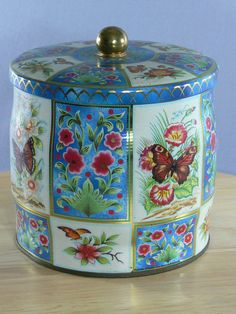 Vintage Daher Tin Butterflies and Flowers 1971 by MasterGreig