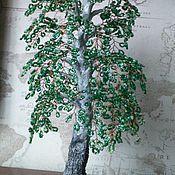 Купить или заказать Бонсай из бисера в интернет-магазине на Ярмарке Мастеров. В последнее время бонсай приобрели большую популярность в нашей стране. Бонсаи являются символом вечности и мудрости, они олицетворяют гармонию человека и природы, воплощают принцип - в малом увидеть большое. Предлагаю вам приобрести такое, вечно зеленое, дерево из бисера, которое останется на долгую память и не требуещее особого ухода.