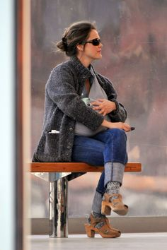 serious love keri russell's mom style, great sling and clogs
