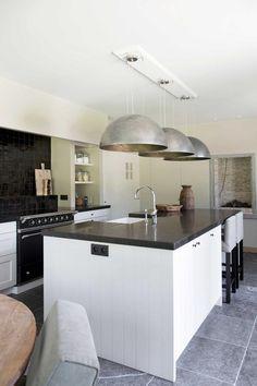 Huis in pastoriestijl nabij Sint-Niklaas - Wonen Landelijke Stijl Double Vitrage, Modern Farmhouse Kitchens, Country Style, Kitchen Island, Architecture, House Styles, Home Decor, Interior Ideas, Construction