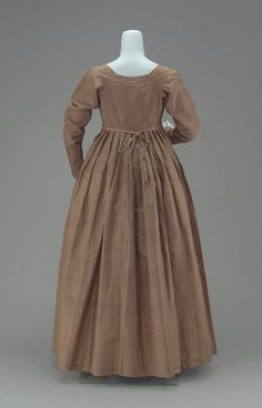A Quaker's dress of greenish-brown taffeta  American, Early 19th century