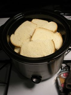 Crockpot French toast. Mmmmm I need someone to try this.