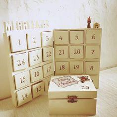 クリスマスのアドベントカレンダーをセリアの6マスボックスを使って作ってみました。