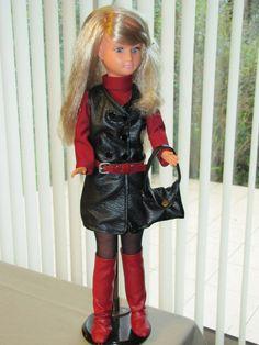 Dolly en tenue imitation Op