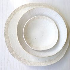 rustic plates - morph into the background.