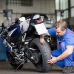Delticom AG/MotorradreifenDirekt.de: Frühlingszeit ist Biker-Zeit – Wie Motorradfans jetzt sicher in die Saison starten