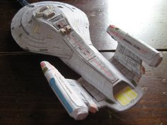 Intrepid Class starship USS Voyager model pattern, based off Chippy Chua's design. It was, of course, the titular vessel in Star Trek: Voyager. This pattern is offered free for other hobbyist...