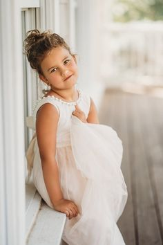 Simple and Elegant Wedding Hairstyles That You Need - Page 18 of 20 - Fashion White Tulle Dress, Ivory Flower Girl Dresses, Girls Dresses, Flower Girls, Moana Birthday Outfit, Blessing Dress, Elegant Wedding Hair, Disney Princess Dresses, Baptism Dress