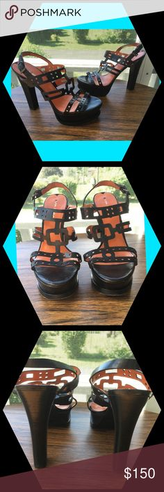 Via Spiga Cut Out Aztec Platform Open Tor Heels Excellent Preowned Condition with wear showing in the soles. Women's Size 8.5 Via Spiga Shoes Platforms