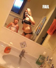 Mom Takes Bikini Selfie in Bathroom Little Girl's Face Priceless - Parenting Fail ---- hilarious jokes funny pictures walmart humor fails