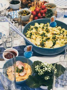 Oktoberfest im November - Warum nicht?! - maimaldrei Desserts Ostern, November, Cheese, Table Decorations, Food, Sour Pickles, French Desserts, November Born, Essen