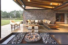 Casas Minimalistas y Modernas: Casa Rustica y Moderna en Piedra / Rustic and Modern Stone House