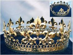 MAGESTIC QUEEN KING GOLD CROWN Finally a crown truly fit for a Queen or King, this extraordinary crown measures 3 inches tall in 6 1/2, through 8 in wide large
