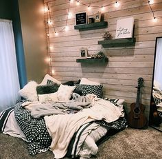 dream rooms for adults ; dream rooms for women ; dream rooms for couples ; dream rooms for adults bedrooms ; dream rooms for girls teenagers Comfy Bedroom, Bedroom Inspo, Dream Bedroom, Diy Bedroom, Warm Cozy Bedroom, Modern Bedroom, Wooden Wall Bedroom, Trendy Bedroom, Minimalist Bedroom