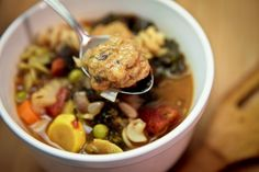 Minestrone with Mini Seitan Meatballs Keepin' It Kind Seitan Recipes, Raw Food Recipes, Salad Recipes, Vegetarian Recipes, Healthy Recipes, Chilli Soup, Vegan Meatballs, Vegan Soups, Eat To Live