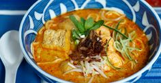 Curry Mee -This uniquely #Malaysian dish was created by the confluence of Chinese and Malay culinary traditions. It's a bowl of noodles in a spicy curry with fried tofu, meat (anything from shrimp to fish to chicken), and garnished with crunchy bean sprouts and mint leaves. ^jn