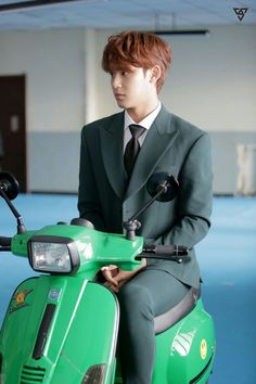 Mingyu with motorcycle Woozi, Wonwoo, Jeonghan, Mingyu Seventeen, Seventeen Debut, Hip Hop, Fandom, Dramas, Astro Sanha