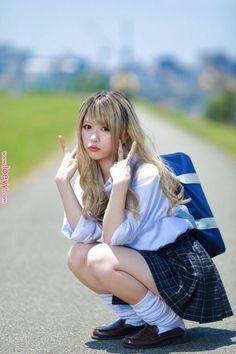 School Girl Japan, School Girl Outfit, School Uniform Girls, Girls Uniforms, Japan Girl, Girl Outfits, Japanese School Uniform, Cute Asian Girls, Beautiful Asian Girls
