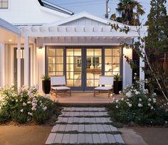 New farmhouse patio modern Ideas House Design, House, Florida Home, Cozy House, House Exterior, House Inspiration, Exterior Design, Farmhouse Patio, Florida Beach House