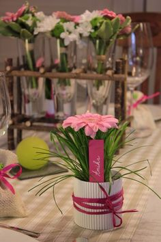 Champagne flutes as bud vases, hello? Deco Champetre, Crafts For Kids, Diy Crafts, Deco Floral, Cute Wedding Ideas, Wedding Scrapbook, Gerbera, Decoration Table, Flower Pots