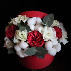 Culoarea iubirii #valentines #red #delicios #flowers #flowersinabox #flowerbox #flowersbox #flori #floriincutie #cutiecuflori #cadou #gift #giftbox #trandafiri #bumbac Inspiration, Biblical Inspiration, Inspirational, Inhalation