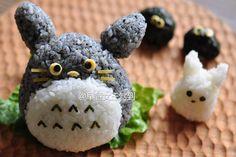 喜歡龍貓的朋友們有福啦!現在教你一分鐘製作超美味又超可愛的「龍貓飯糰」,保證老少通吃、寶寶再也挑食。食譜視頻來啦太陽貓MoMoSun:#太…